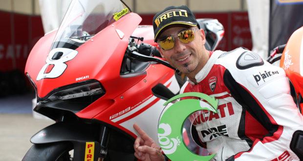 Ducati 1299 Superleggera sul podio con Alessandro Valia